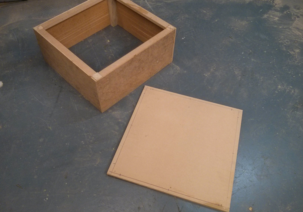 Picture of Cut a 12mm MDF Sheet to a Size of 546/546mm.