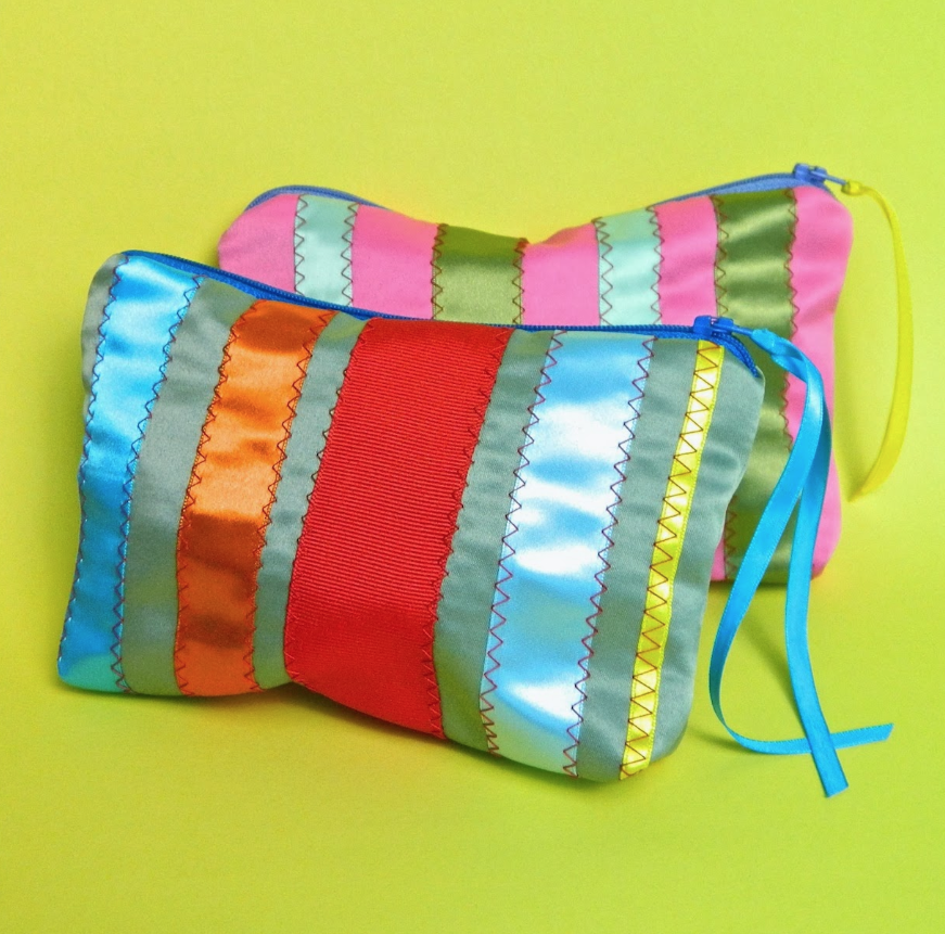 Picture of Ribbon Zipper Bag (fully Lined)