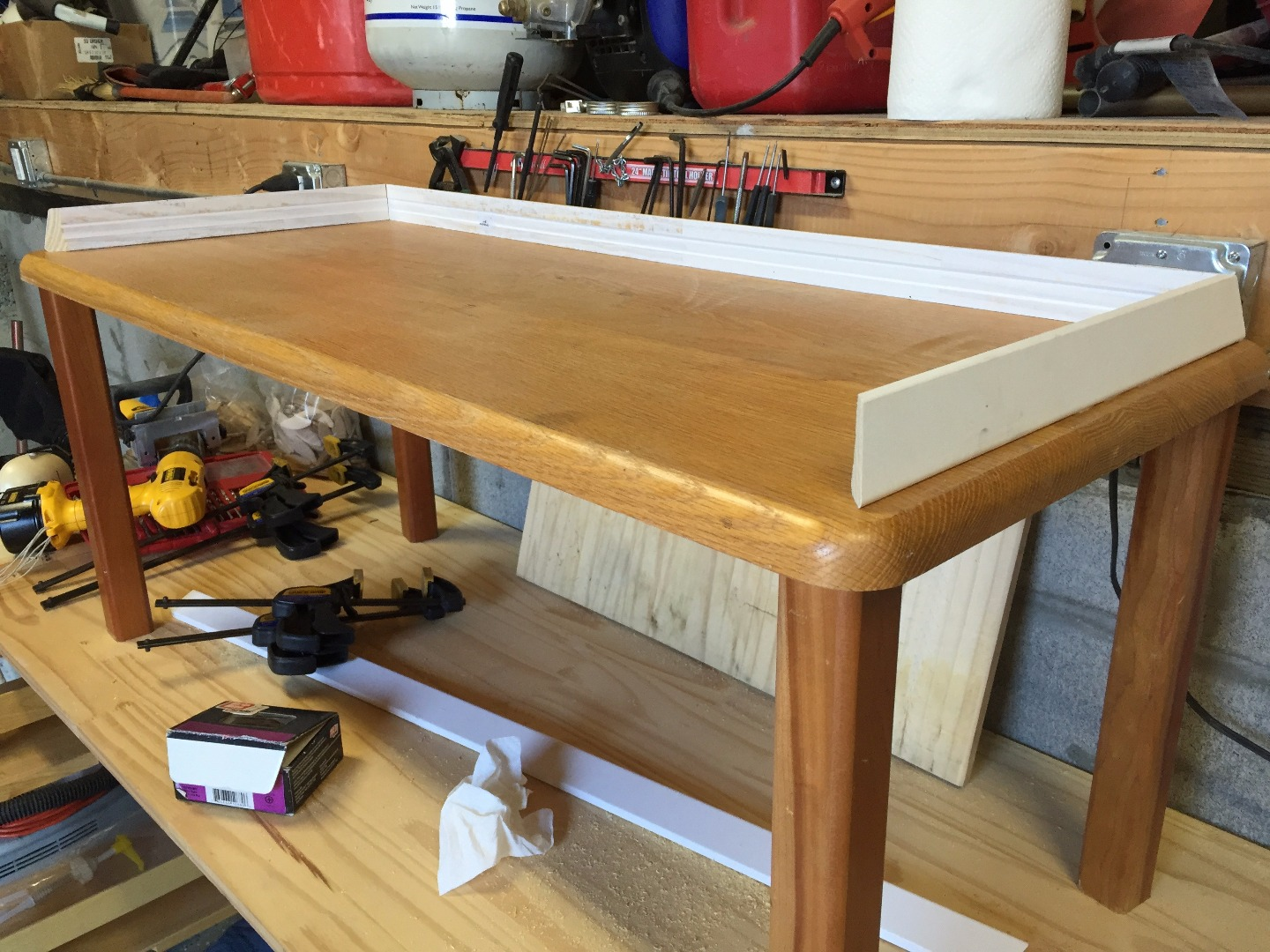 Picture of Table and Sidewalls