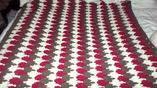 Crochet Larksfoot Throw