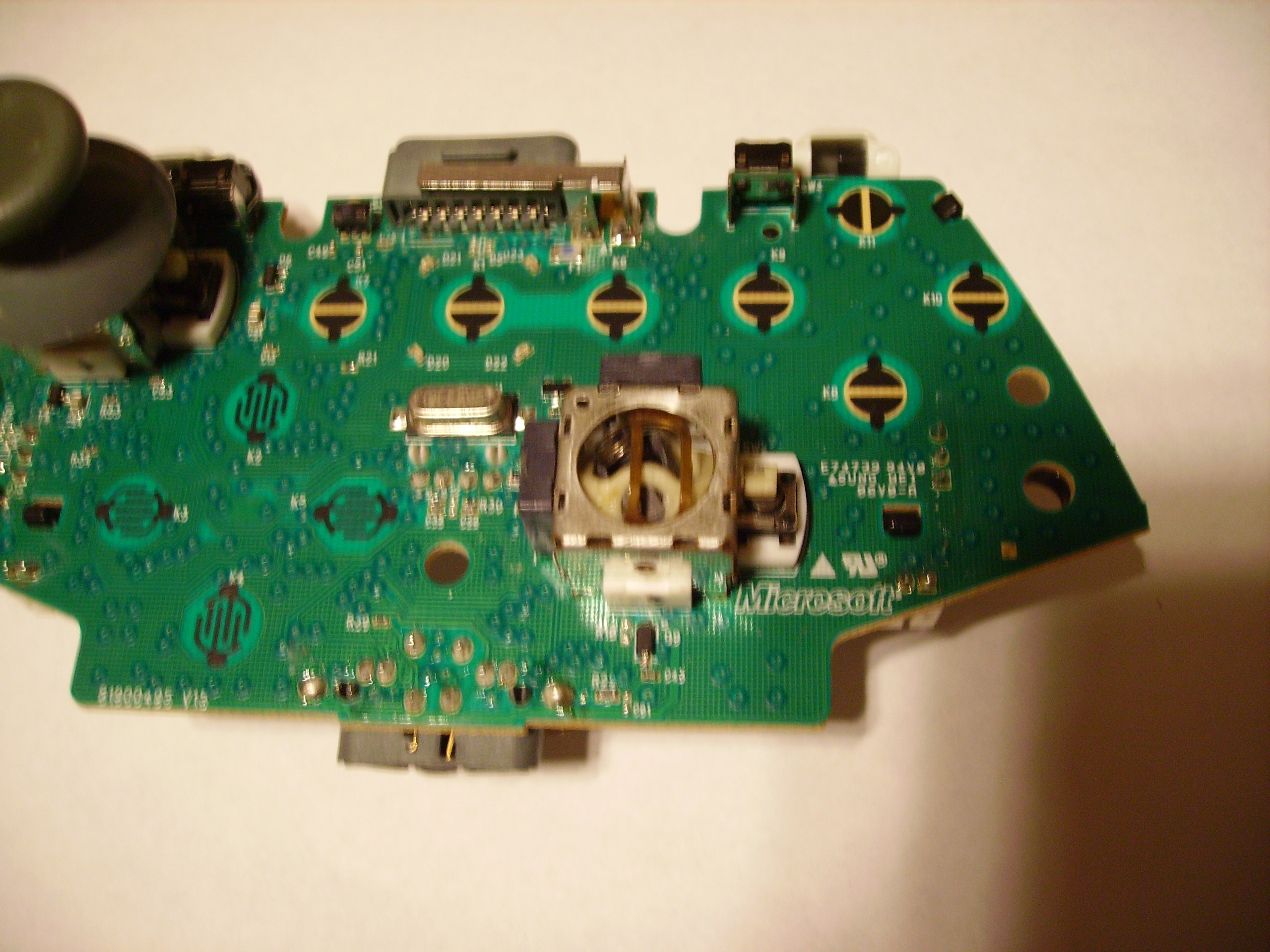 Picture of Desoldering the Broken Analog Stick/replacing the Thumbstick.