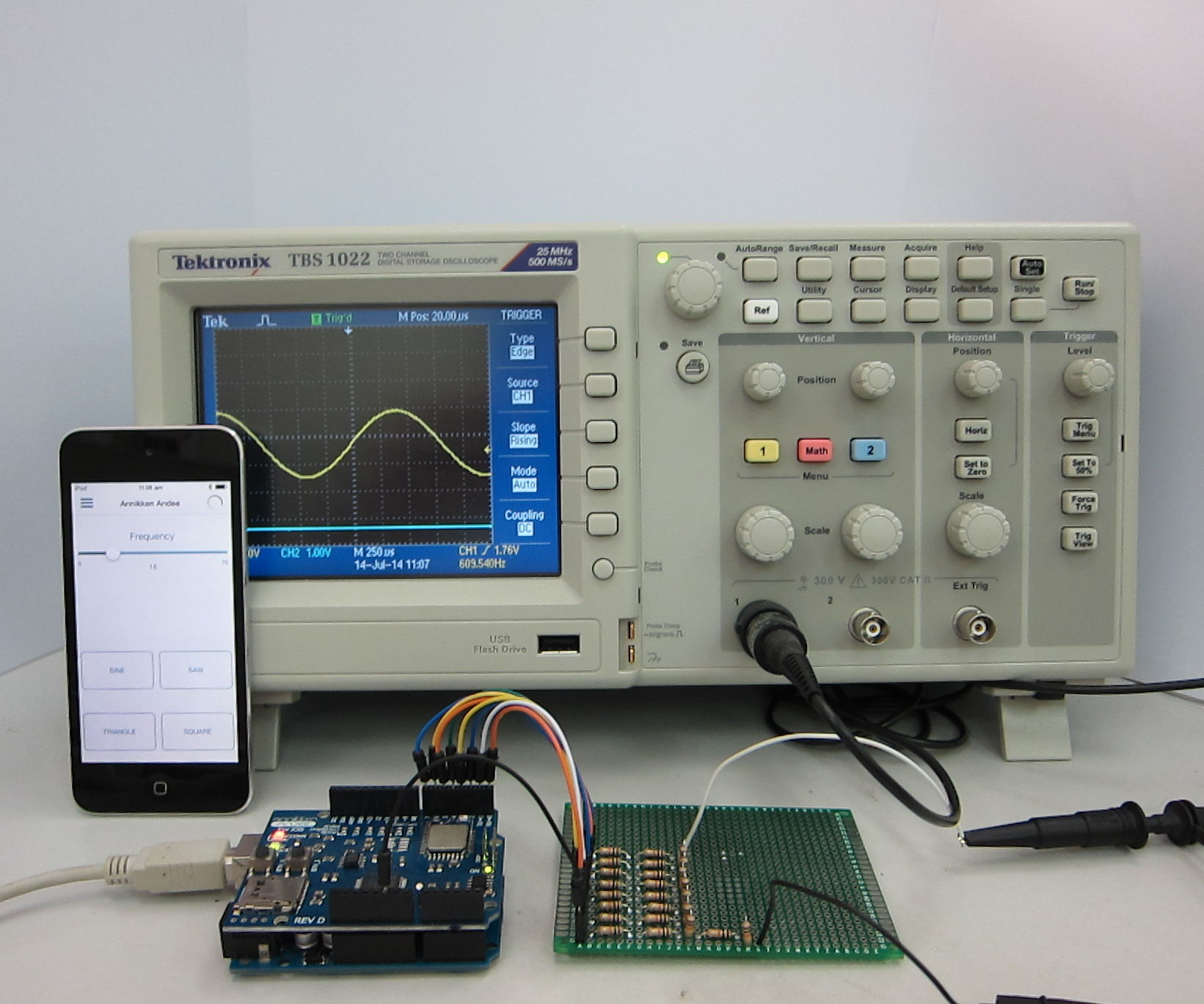 IOS-Controlled Arduino Waveform Generator: 10 Steps (with Pictures)