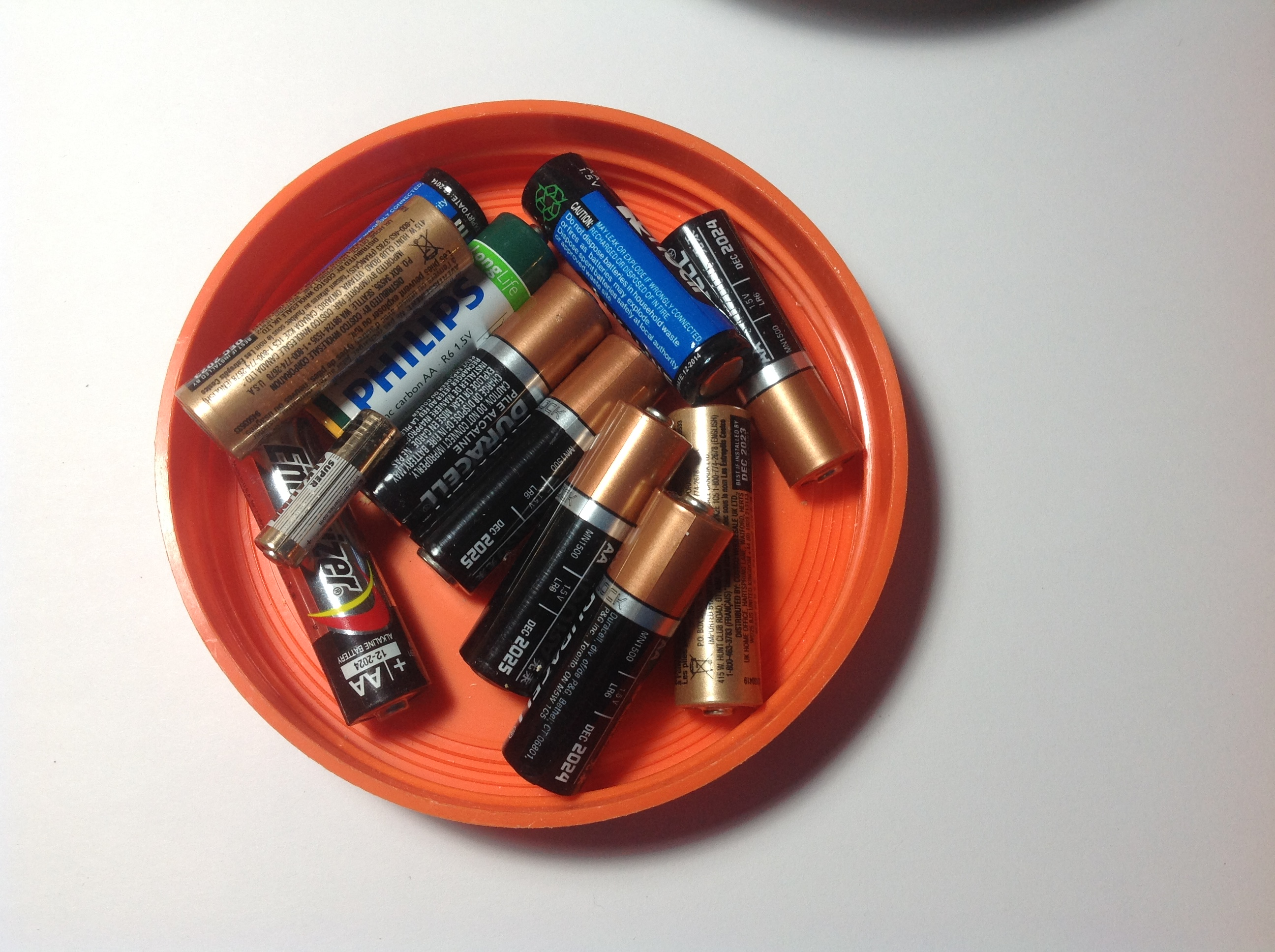 Picture of Battery Testing Helper- Magnetic Parts Tray