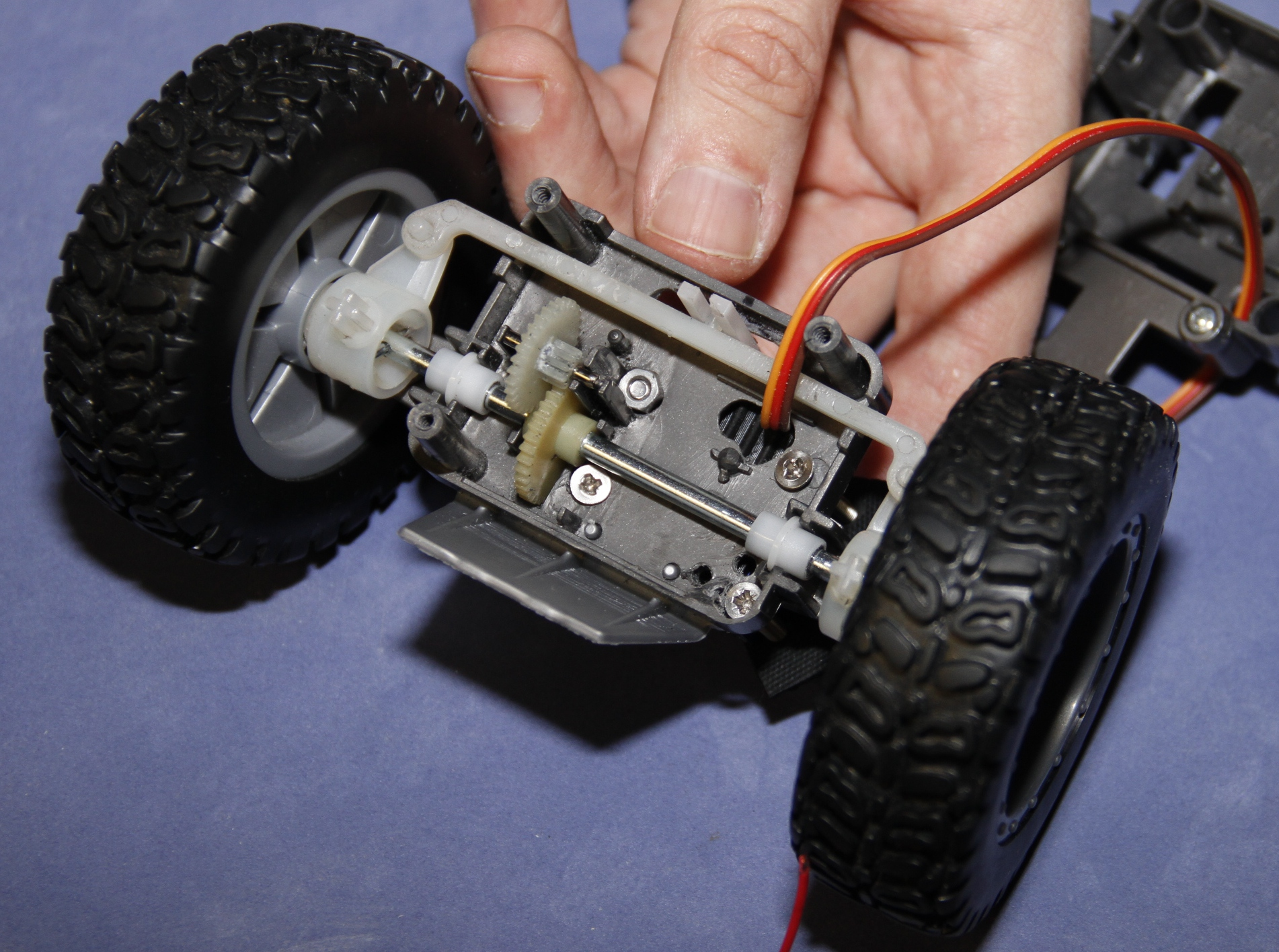 Picture of Disassembling the Front Axle - Bottom Section