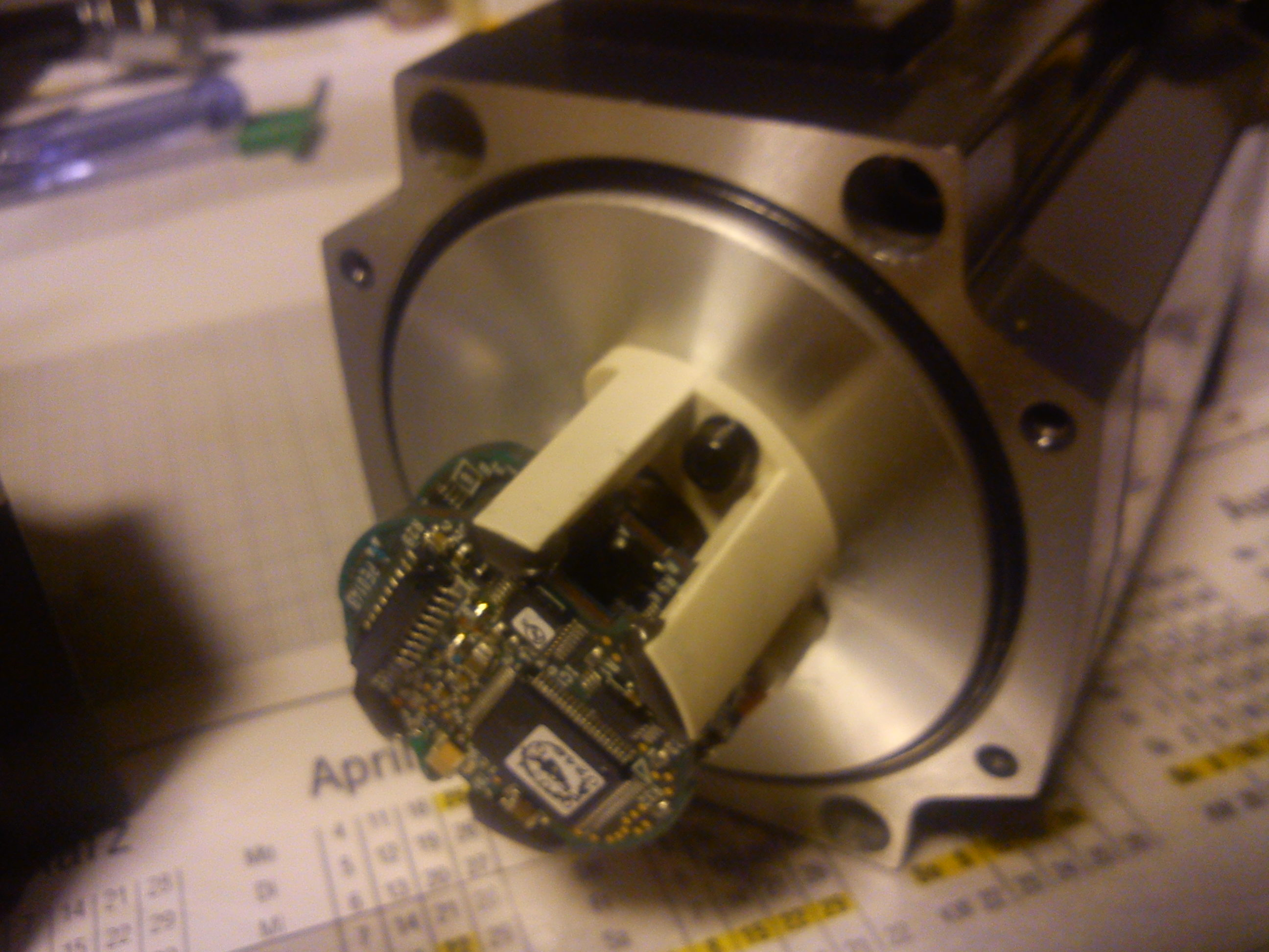 Picture of Can somebody tell me a thing or two about this AC servo/stepper motor (mitsubishi)?