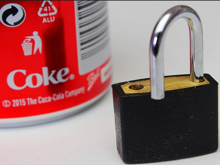 Picture of How to Open a Lock With a Coke Can