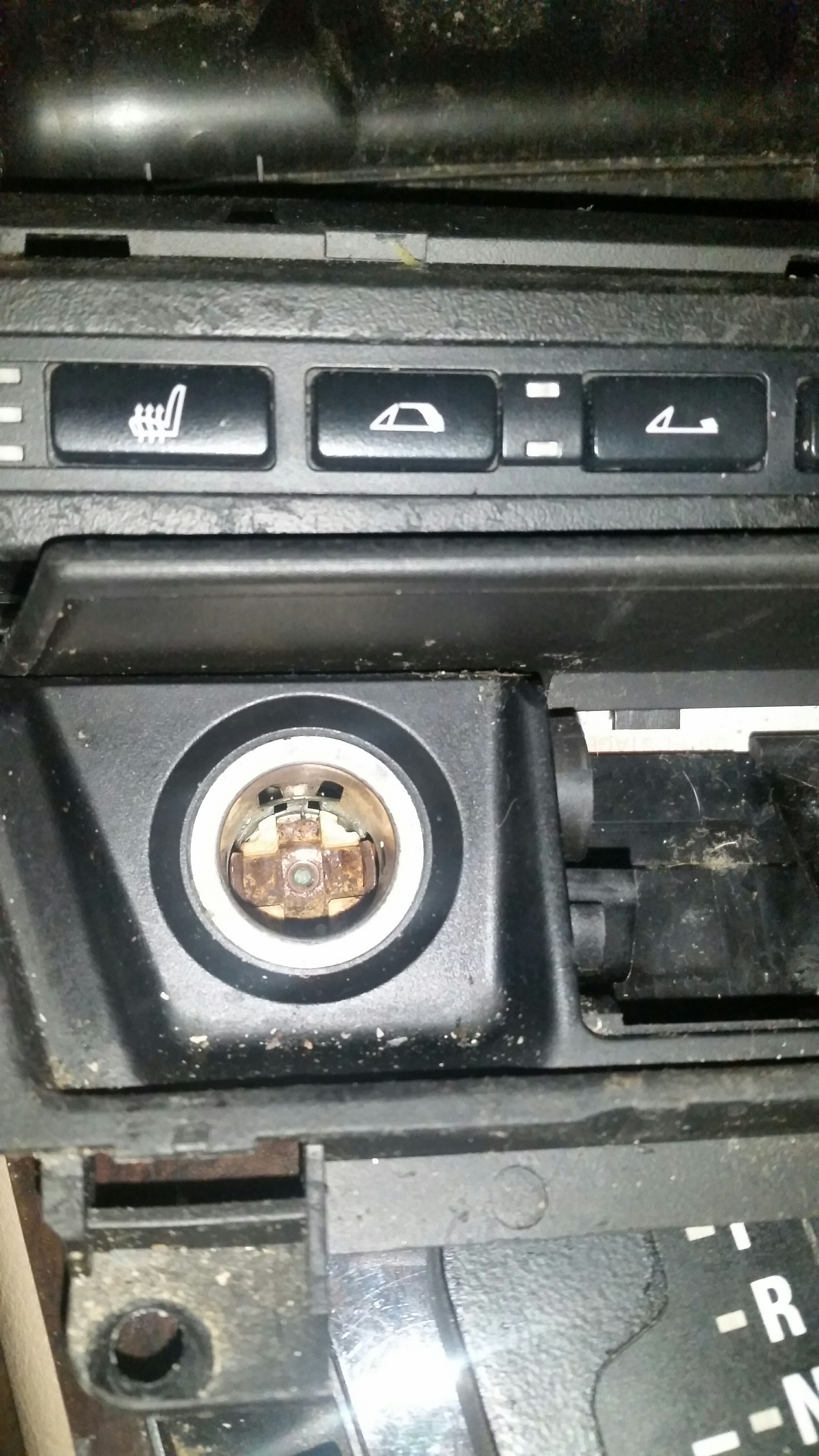 Picture of Cigarette Socket to USB Conversion