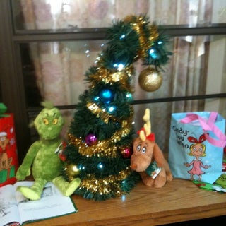 Worlds Easiest and Coolest Grinchmas Tree