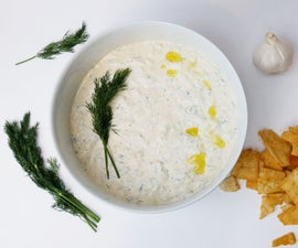 Spicy Tzatziki (Greek Yogurt / Yoghurt Sauce)