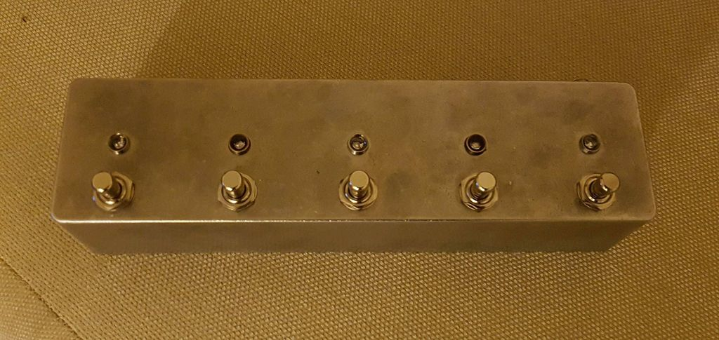 Picture of Arduino Programable 5 Pedal Switcher