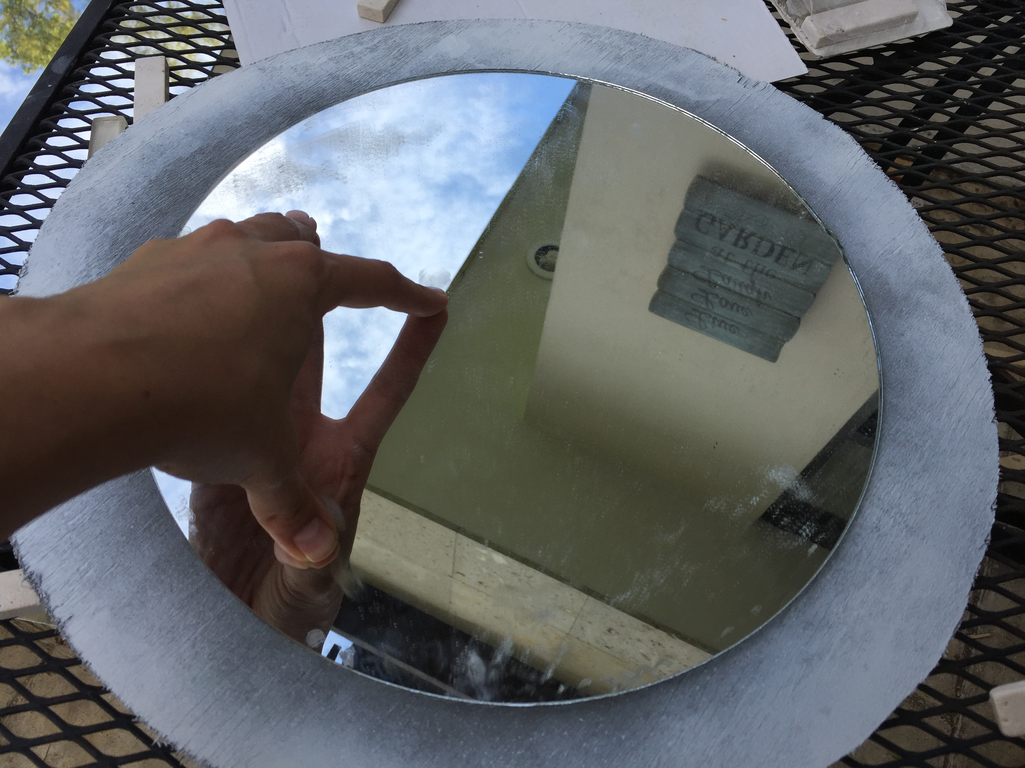 Picture of Glue Mirror