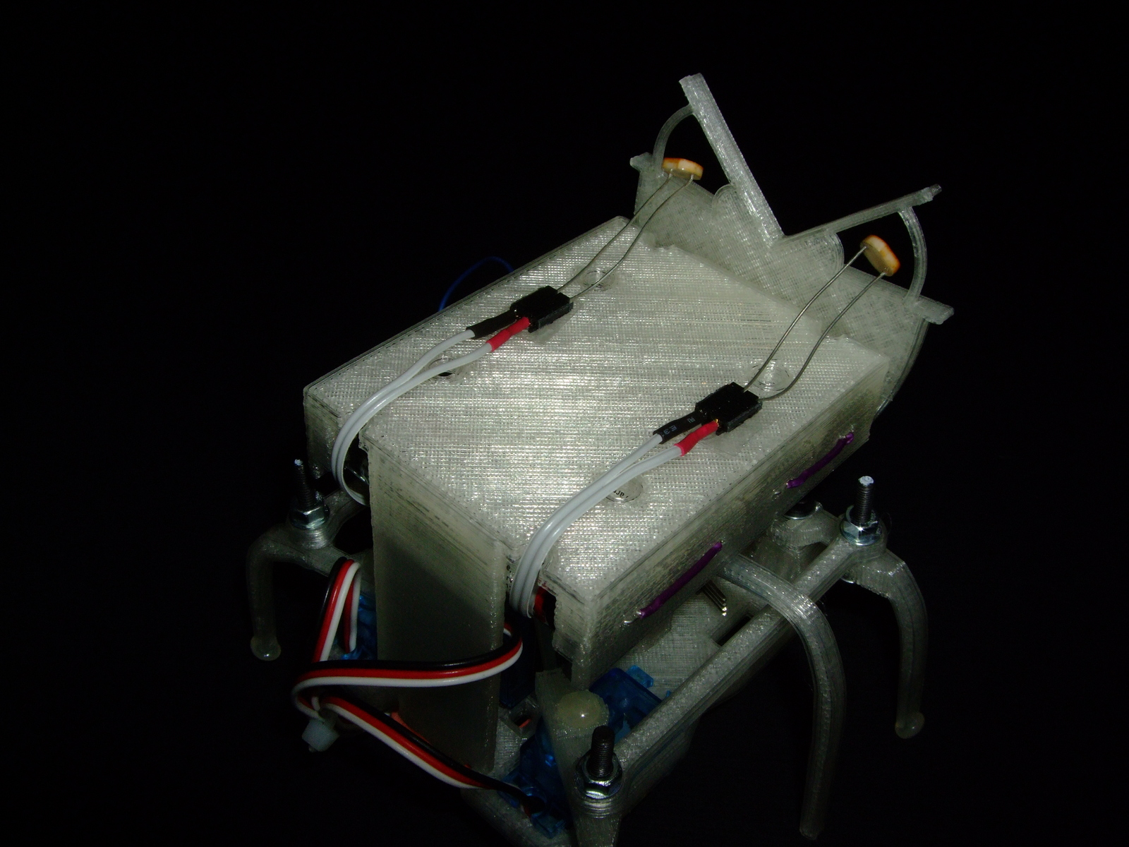 Picture of Hexapod As a Light Follower (thanks to 2 LDR)