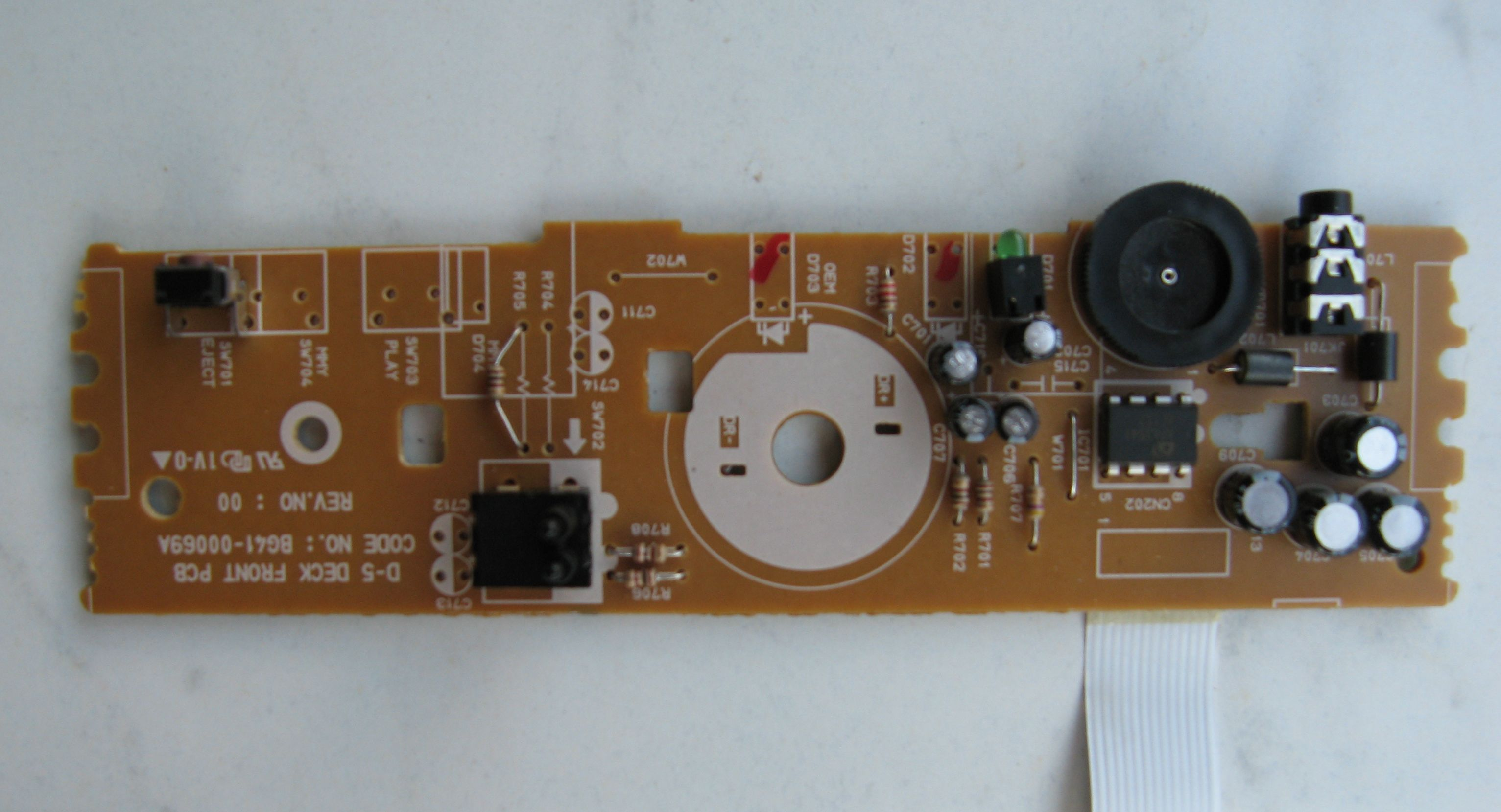 Picture of Exctracting the Audio Amplifier Board