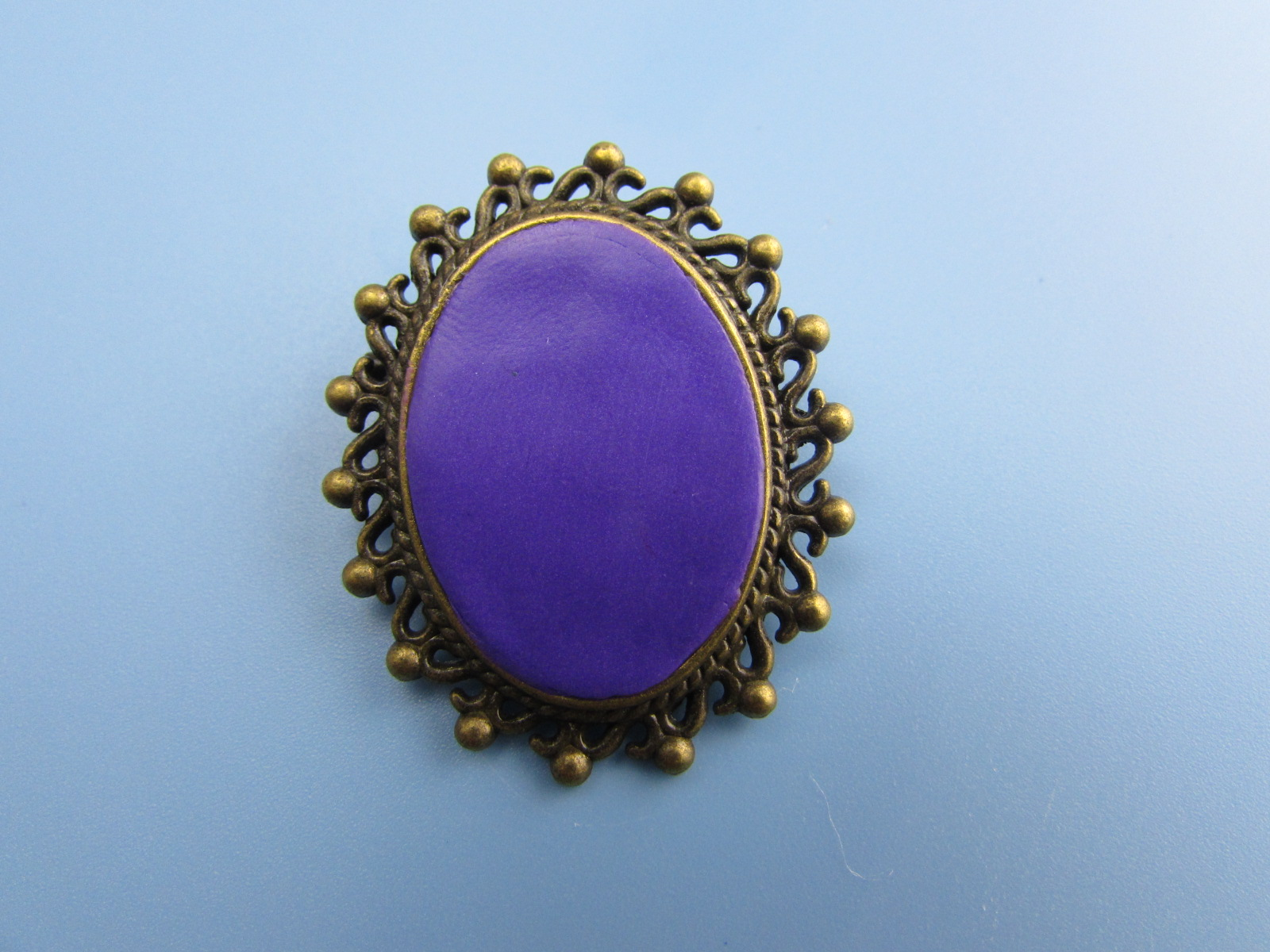 Picture of Preparing the Brooch