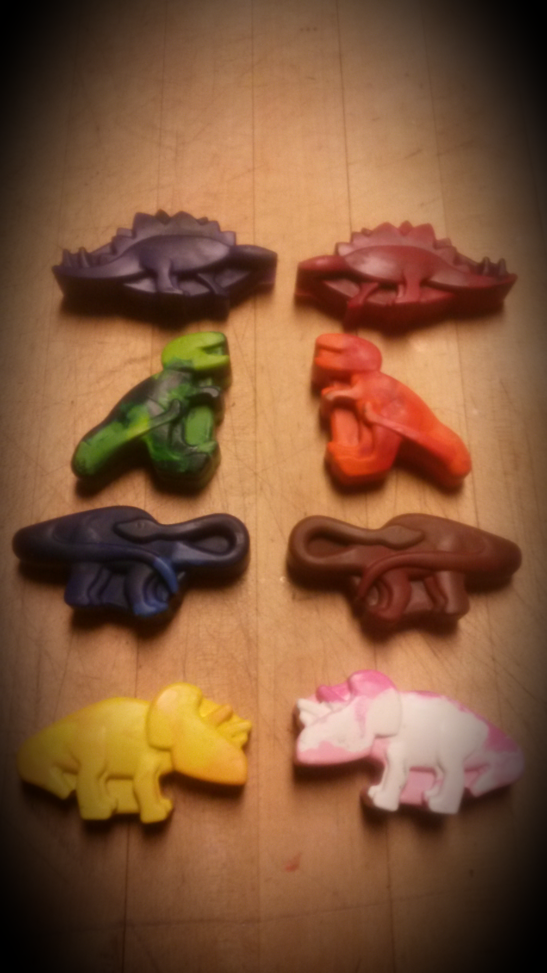 Picture of Dinosaur Crayons