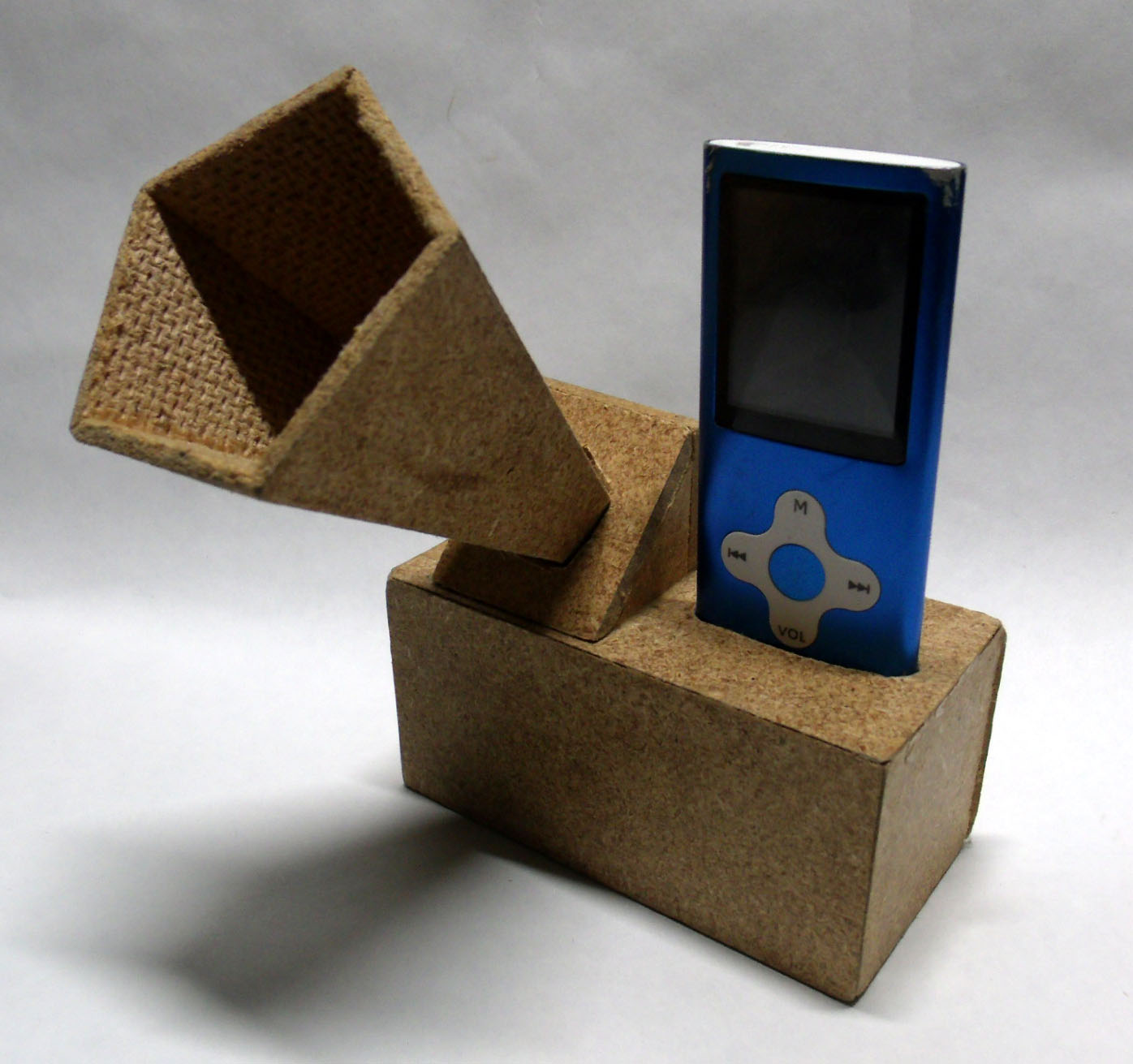 Picture of Custom MP3 Dock With Electronic Amplification