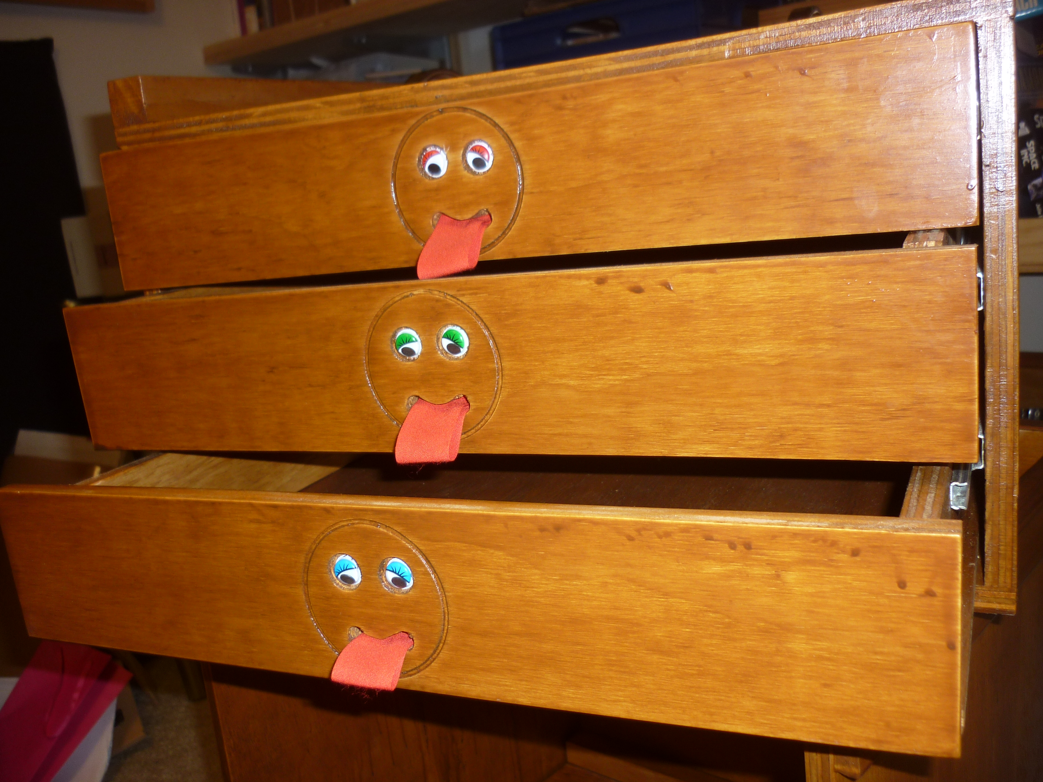 Picture of Fitting Drawer Fronts