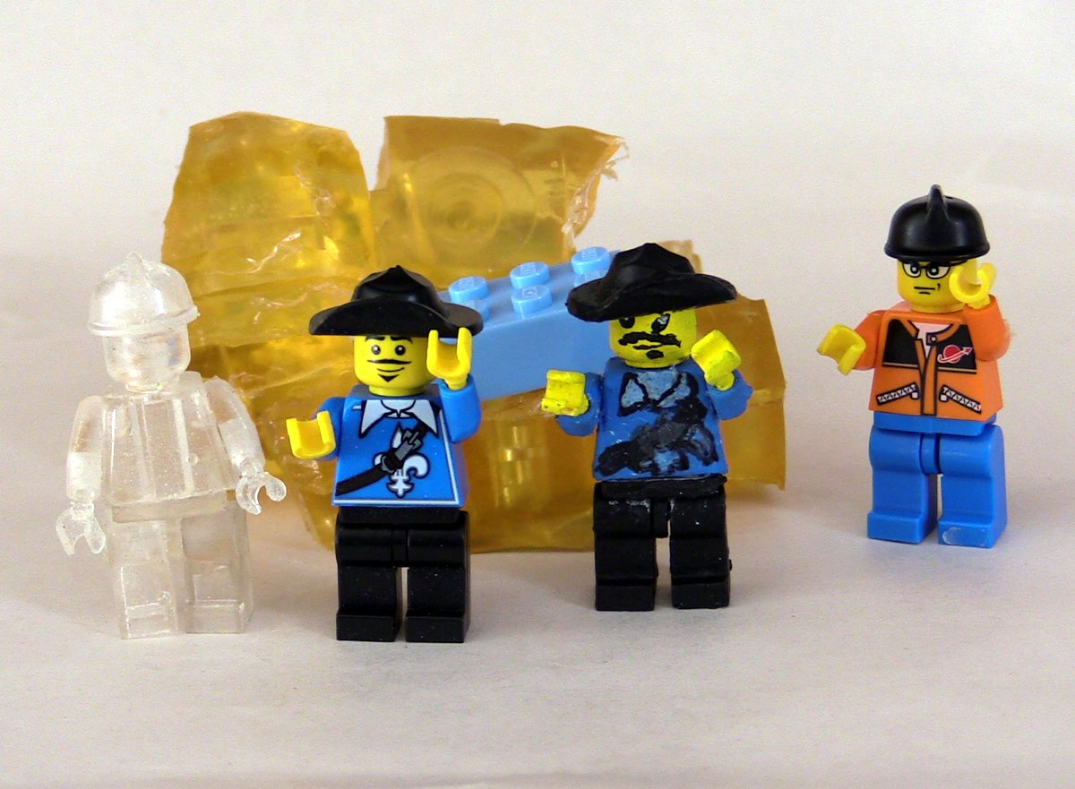 Picture of Finnish Your Custom LEGO!