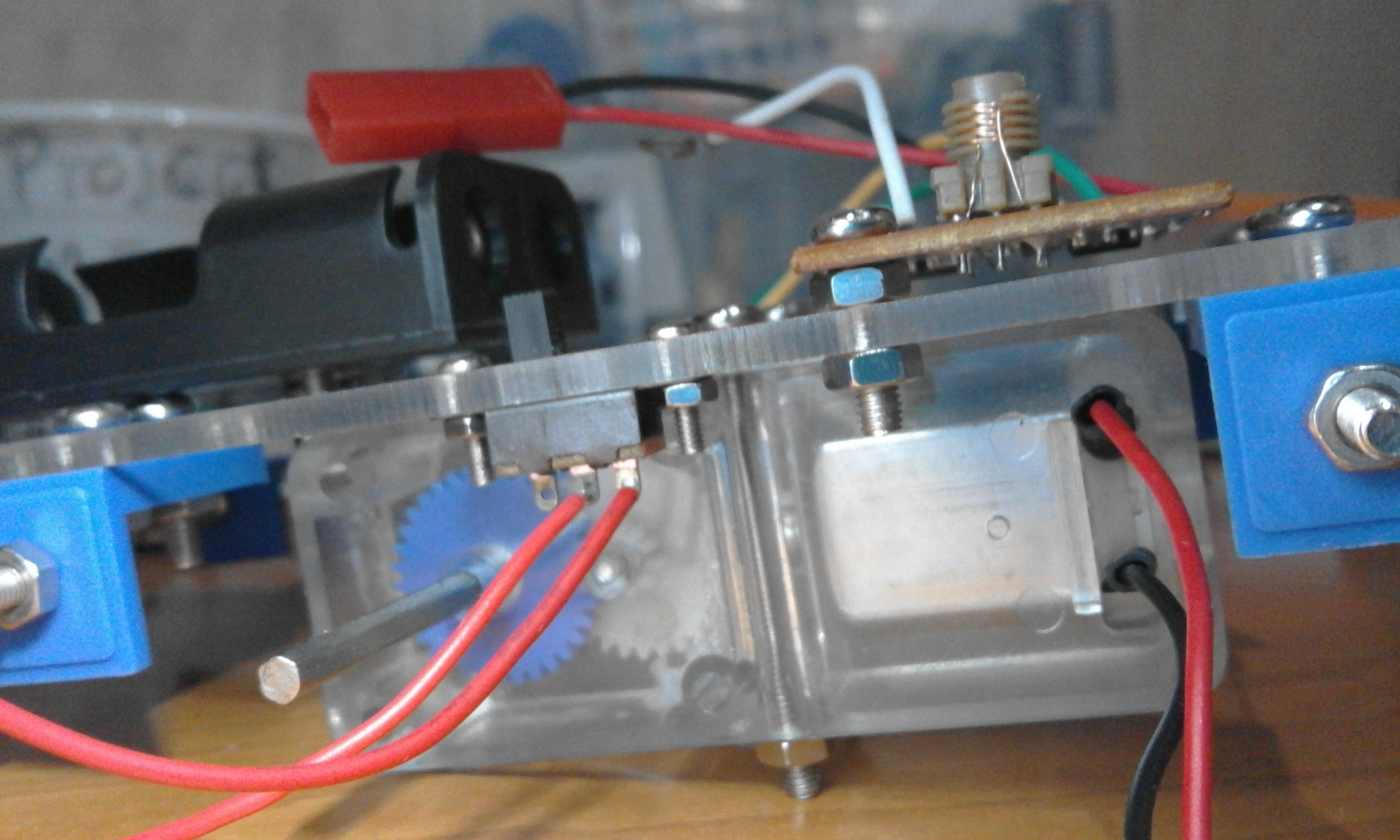 Picture of Receiver and Antenna