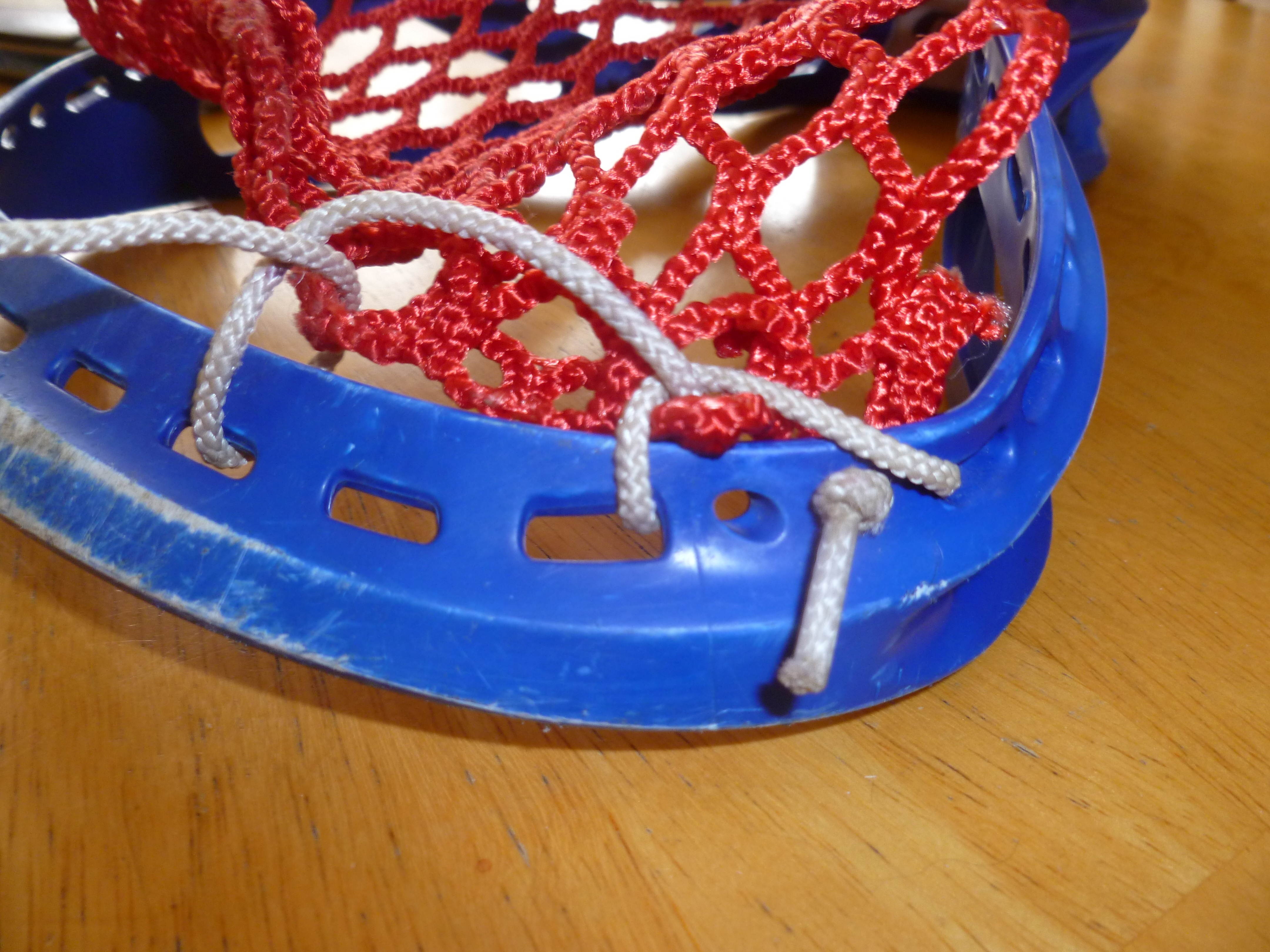 Picture of Interlocking the Top String