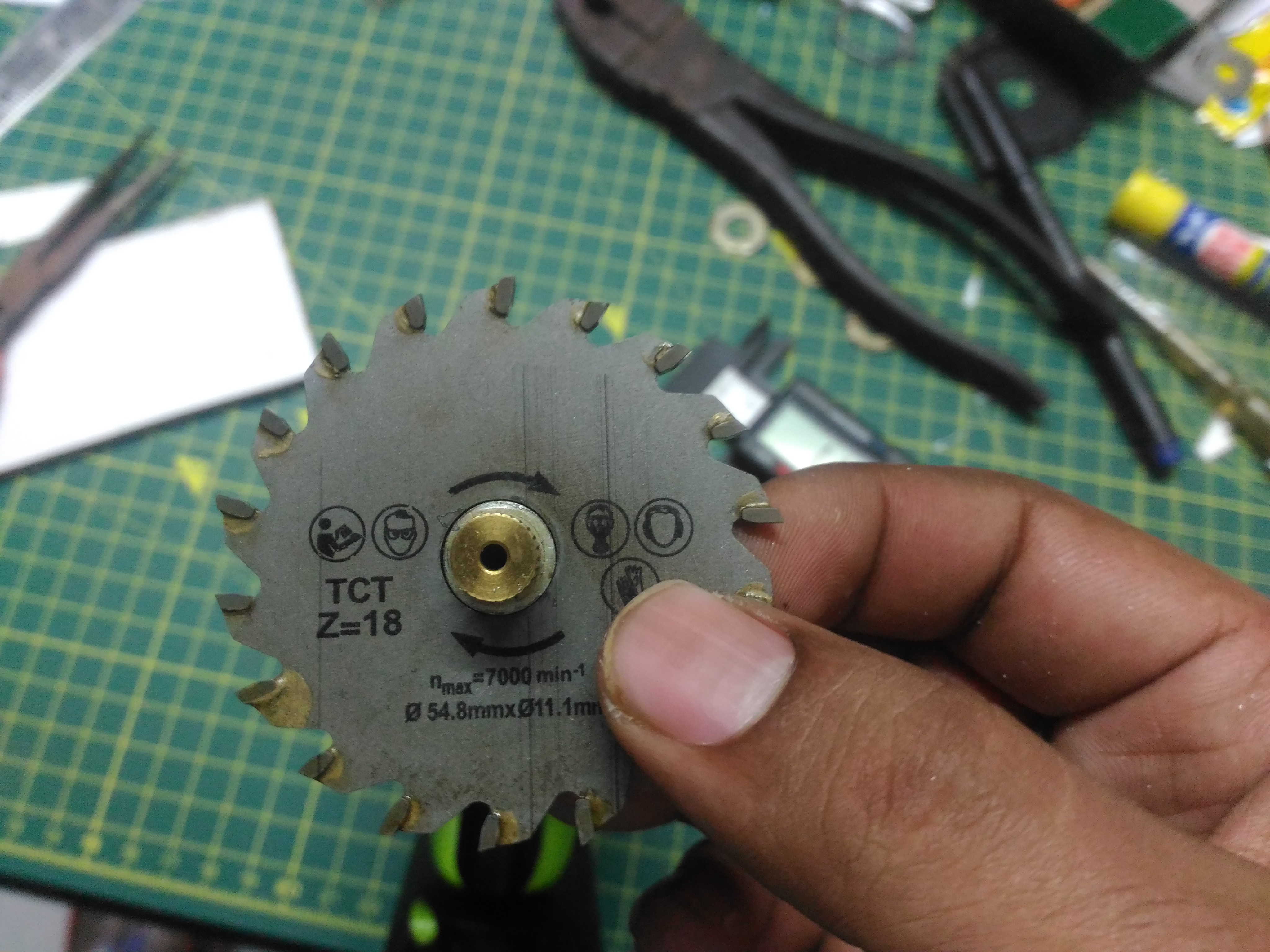 Picture of Saw Blade Assembly