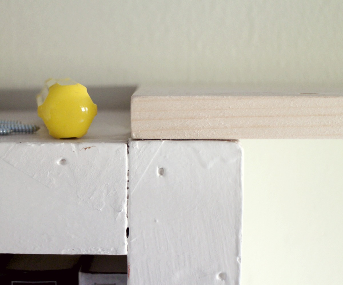 Picture of Placing the 'Keystone' Shelf
