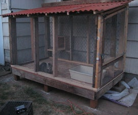 Cat Enclosure Five Stars Accommodations - the litter box is outside !