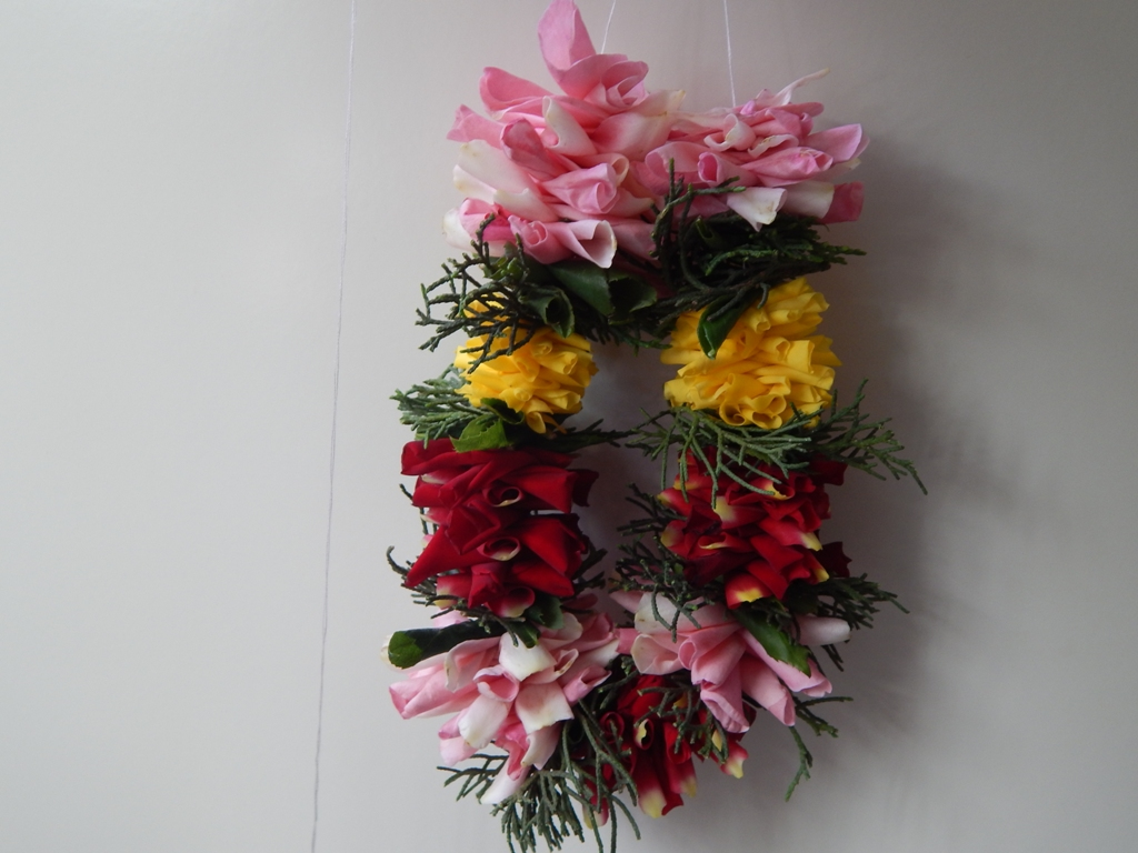 Picture of Make Symmetrical on Other Side of Garland