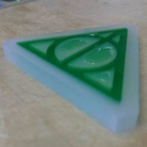 Moulding the Resin