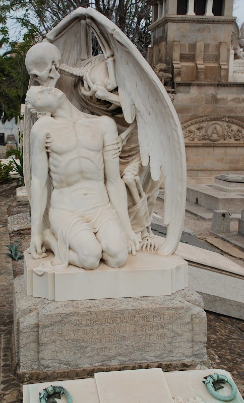 Picture of Kiss of Death Monument
