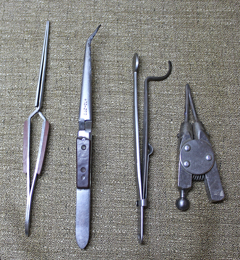 Picture of Tweezers and Clamps