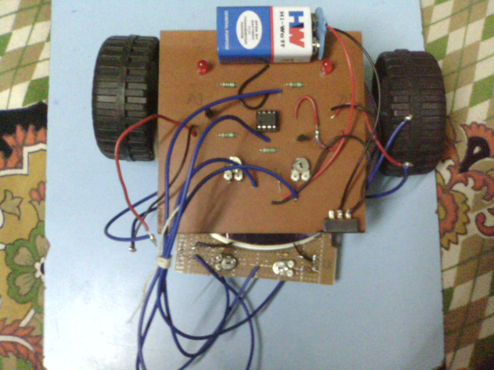 Picture of Home Made Line Tracer Robot