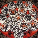 EASY SPIDER WEB HALLOWEEN CUPCAKES
