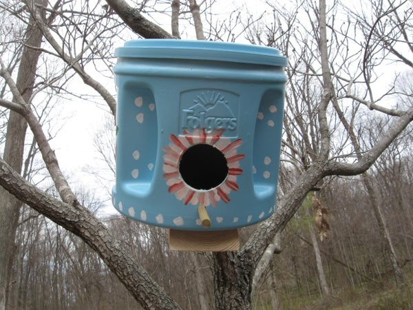 Green Birdhouses Using Folgers Cans