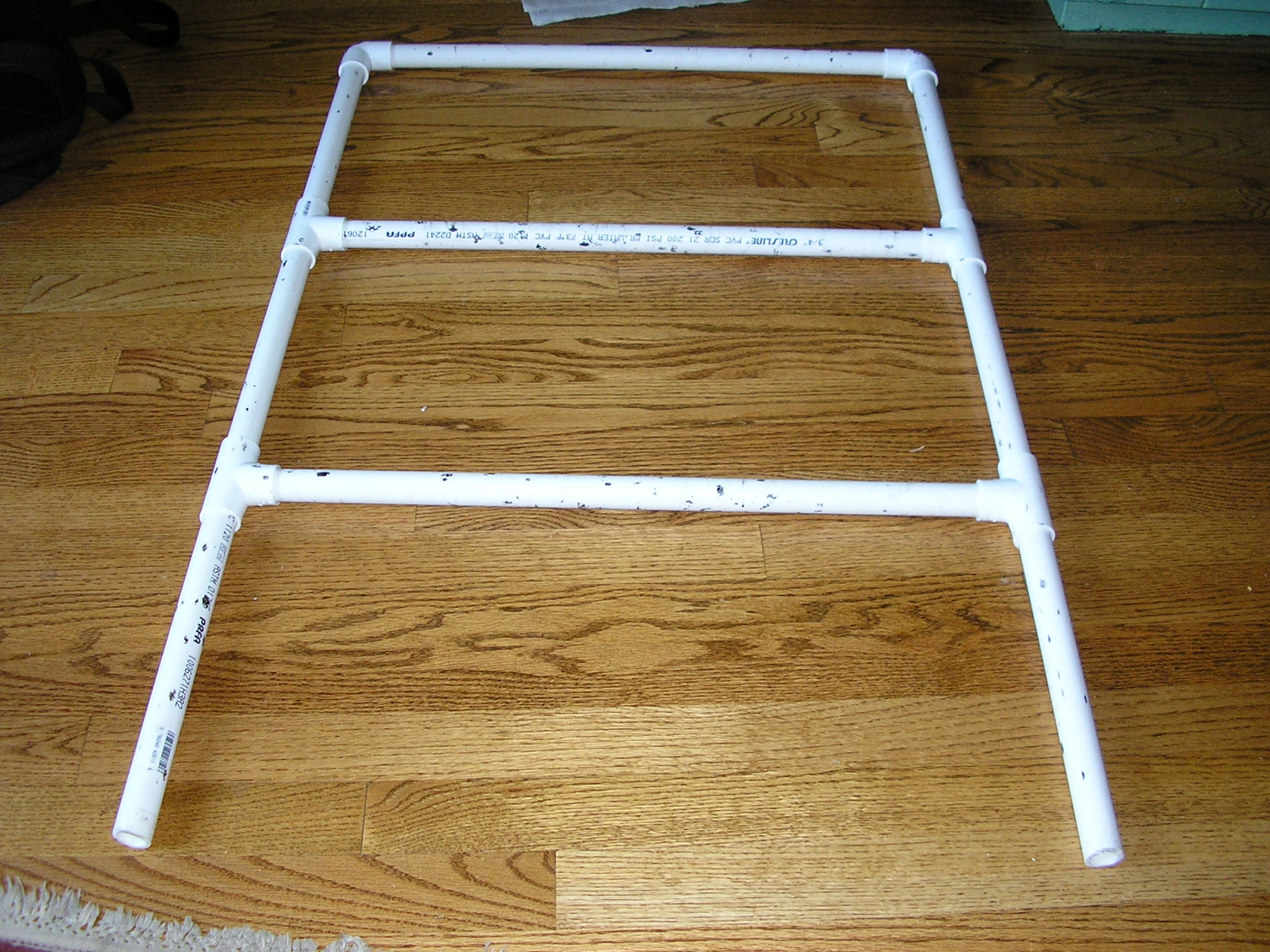 """Picture of How to Build the """"ladder"""" (upper Part)"""