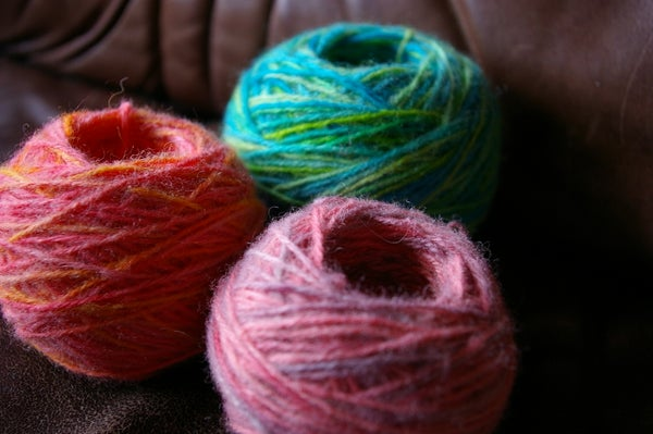 Dyeing Rescued Yarn With Food Colouring.