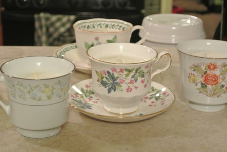 Easy Teacup Candles