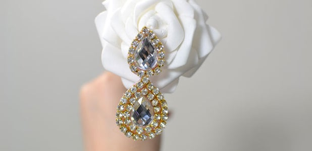 Make Drop Earrings With Rhinestone Beads