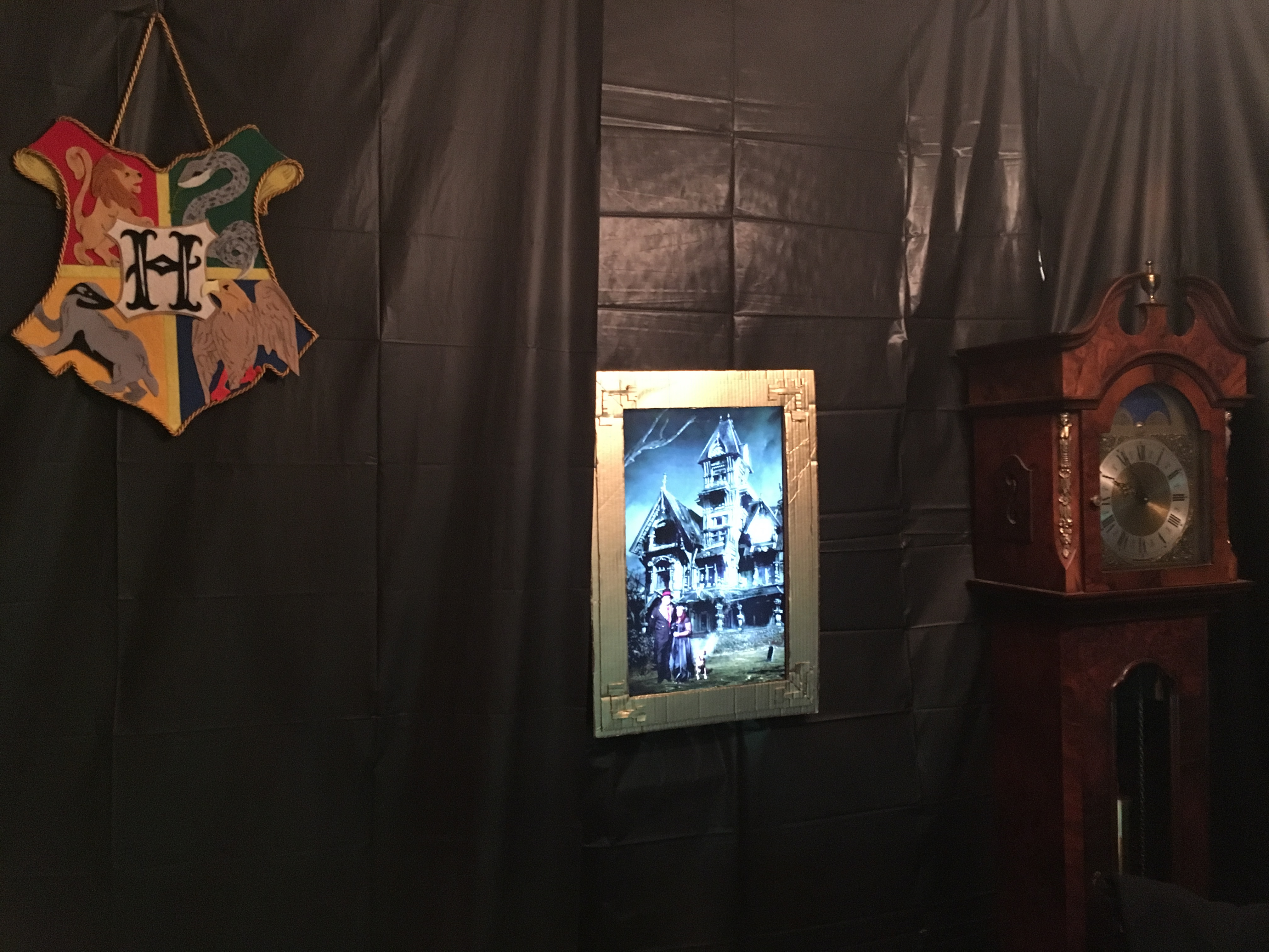 Picture of Decorating the Display
