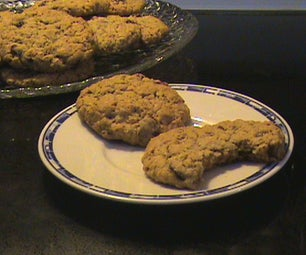 Chewy Craisin Oatmeal Cookies