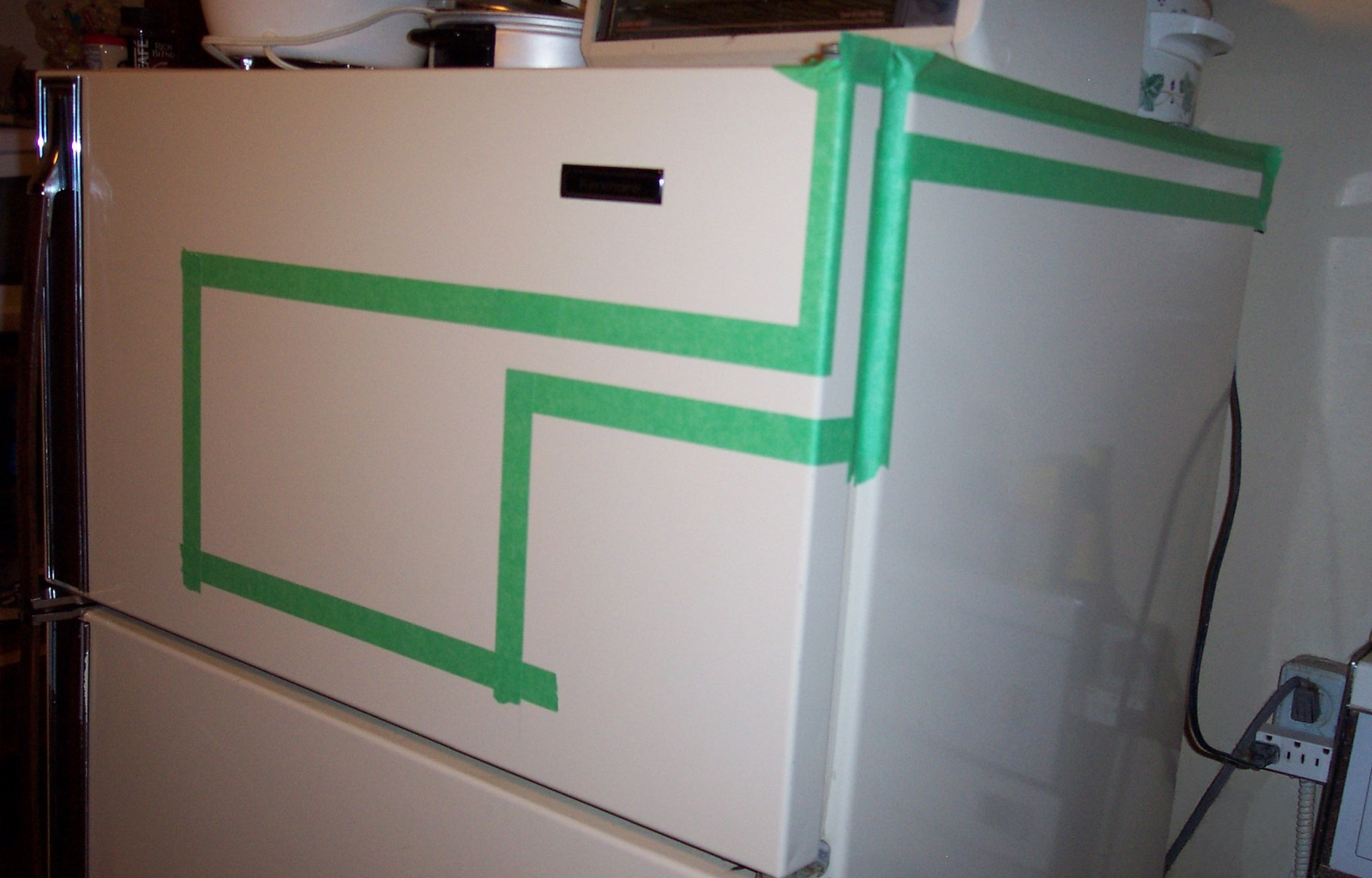 Picture of Paint the Fridge
