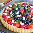 Organic Strawberry and Blueberry Tart With Cream Filling