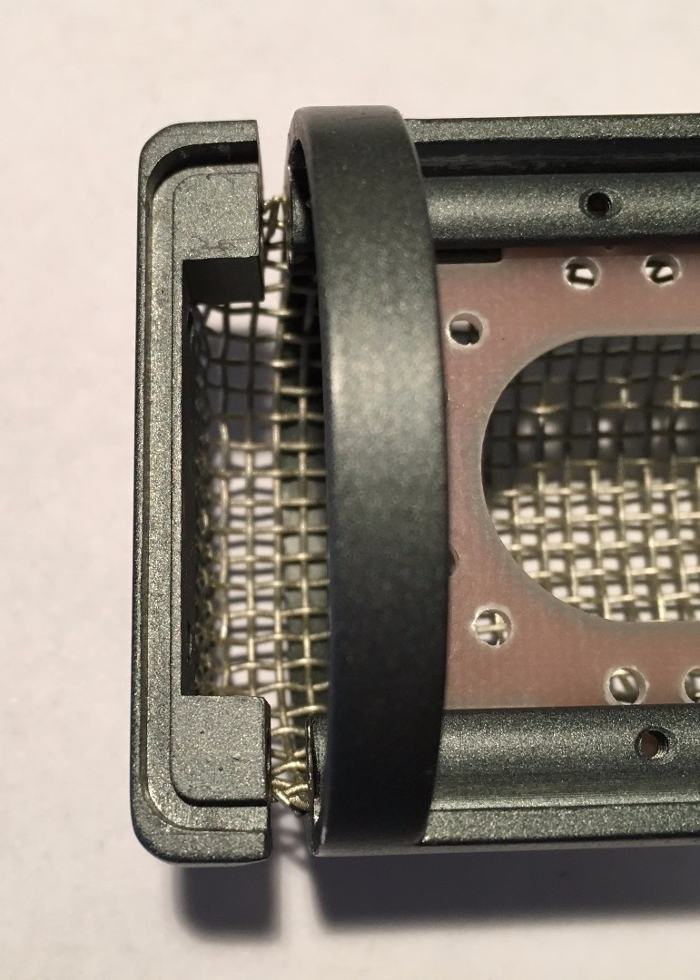 Picture of MXL Mic Disassembly