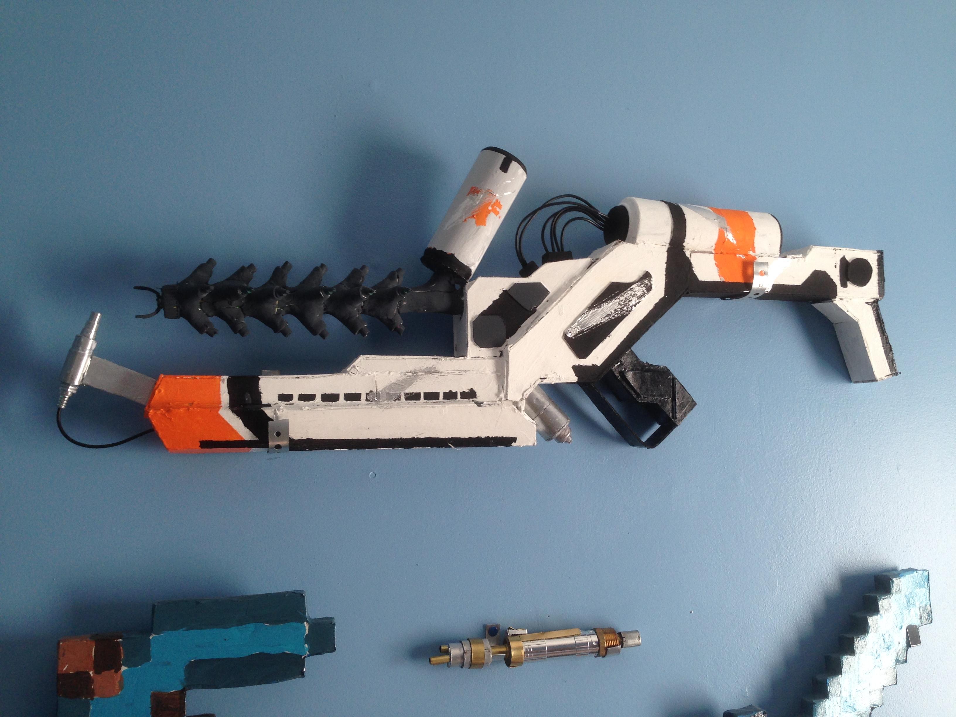 Picture of District 9 Arc Gun Prop