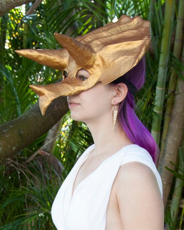 Sculpted Mask - Lightweight, Cheap, Easy, Durable