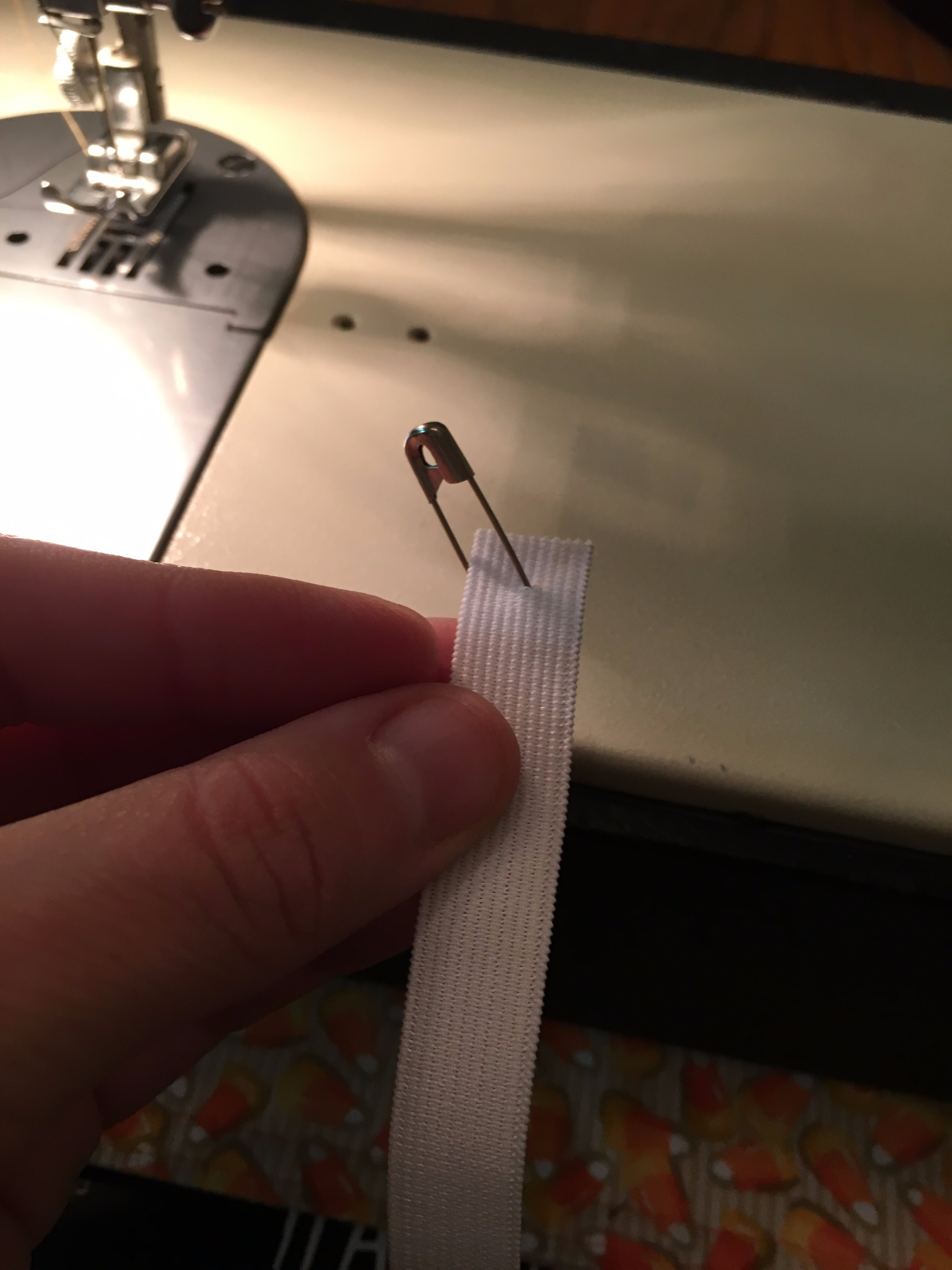 Picture of Sewing the Waist and Inserting the Elastic Band