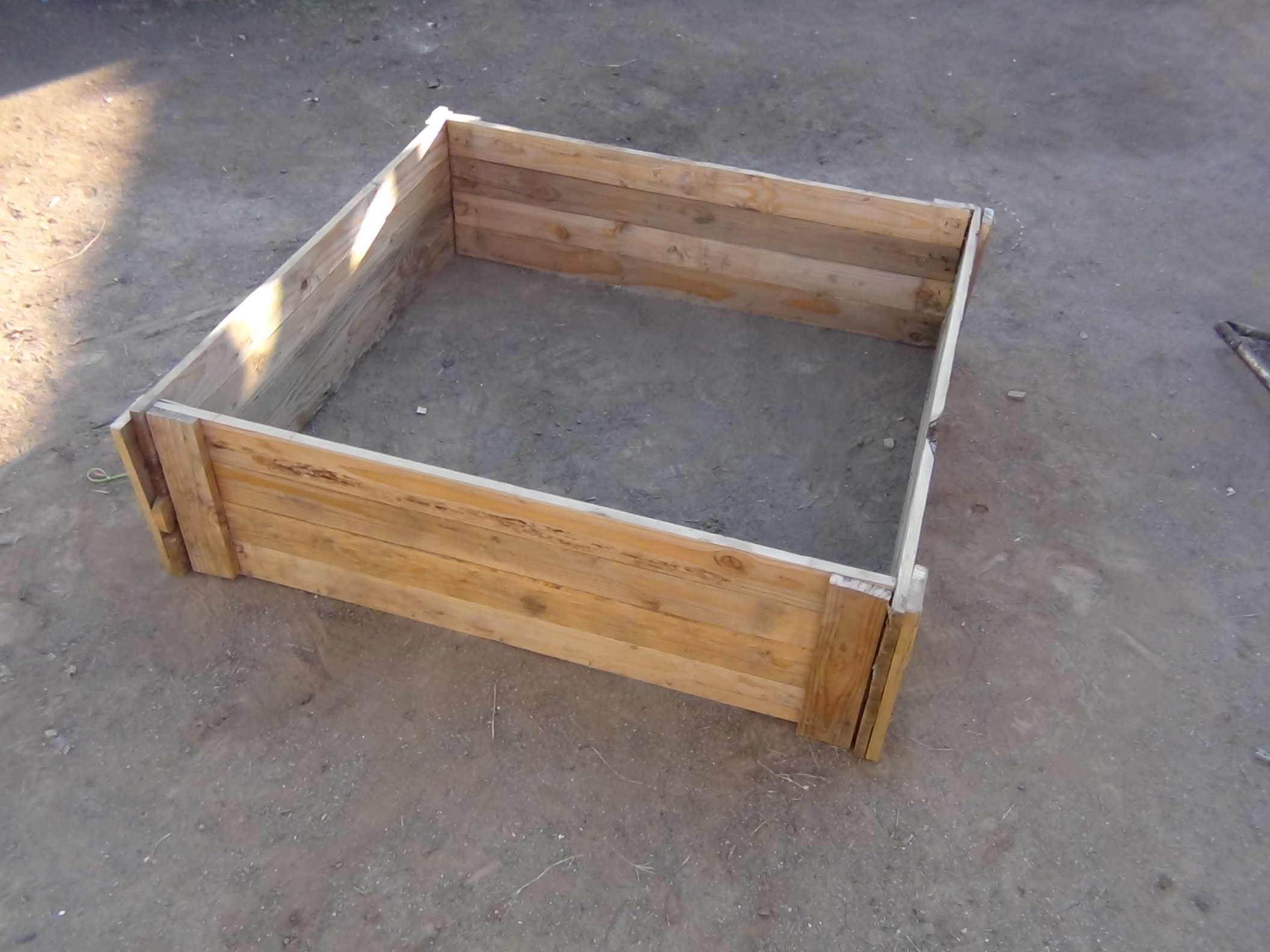 How to Make a Raised Bed Garden Box From Wood Pallets. : 5 ... Raised Vegetable Garden Box Designs on