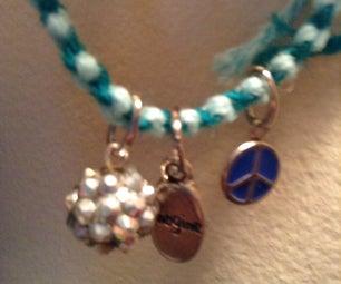 HoliDIYS: Friendship Bracelet