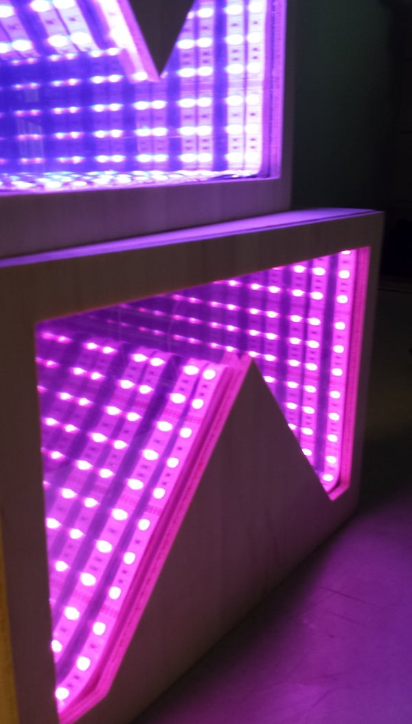 Temperature-Sensitive Infinity Mirror
