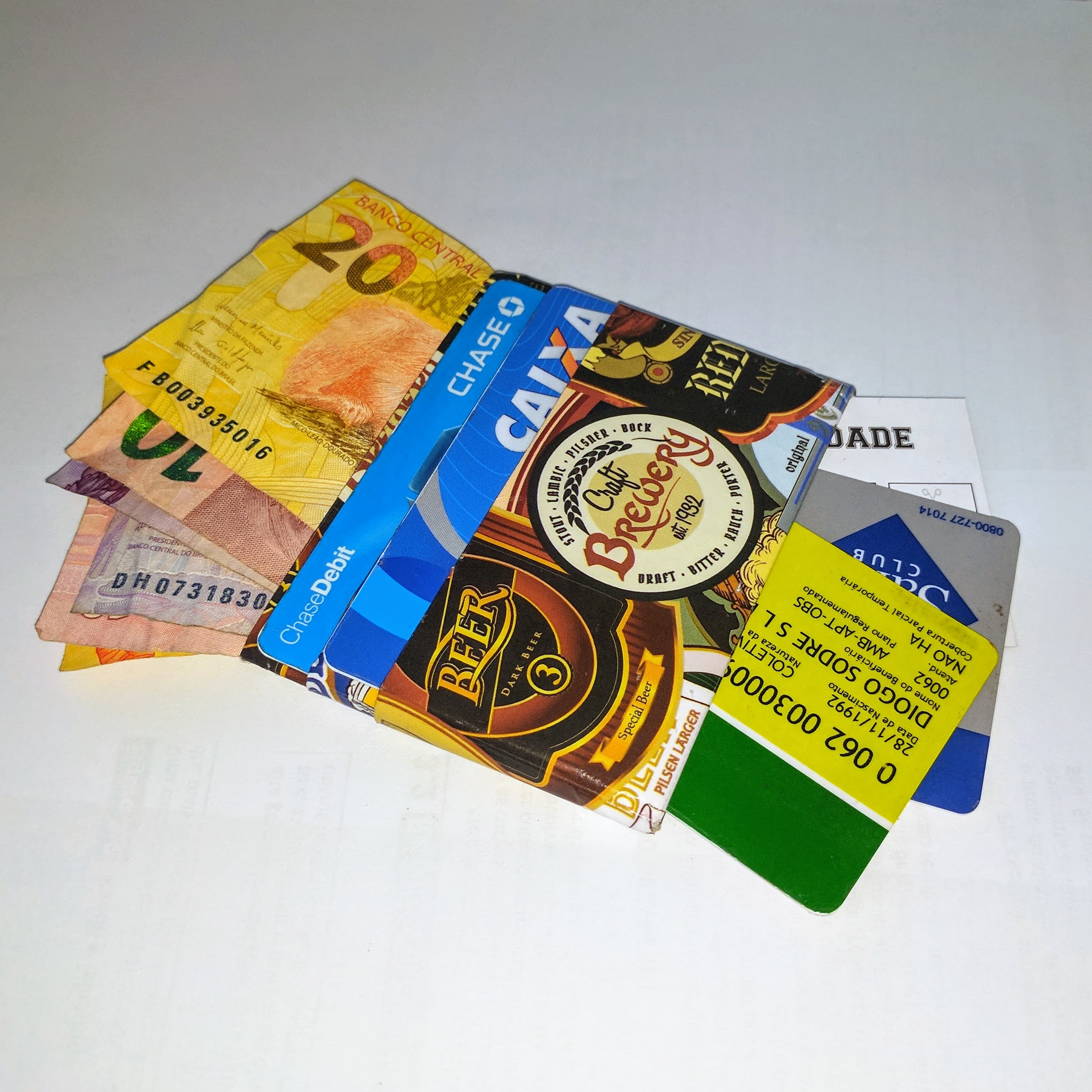 Picture of Minimalist Plastic Paper Wallet and Card Holder